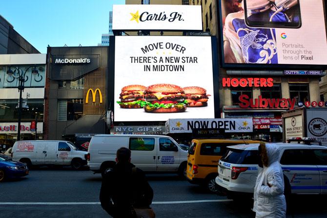 Carls-Jr-Midtown-New-York-Billboard