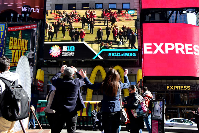 Big-Ten Basketball Times Square-Crowd-Cam